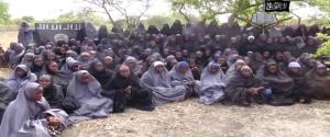 Unesené školačky z města Chibok měly být vyměněny za příslušníky Boko Haram v nigerijských věznicích. Zdroj: YouTube.com