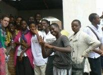 pic1-titulní (fotka se školáky ze střední škole, na které by měl projekt v Burundi proběhnout)
