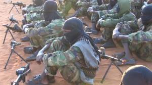 Výcvikový kemp al-Šabábu kdesi na území Somálska. Zdroj: Youtube.com