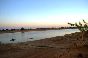 Looking-from-Mauritania-to-Senegal-across-the-Senegal-River-001