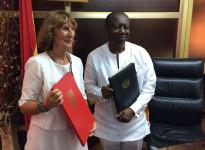 Velvyslankyně Margita Fuchsová a ministr financí Ken Ofori-Atta